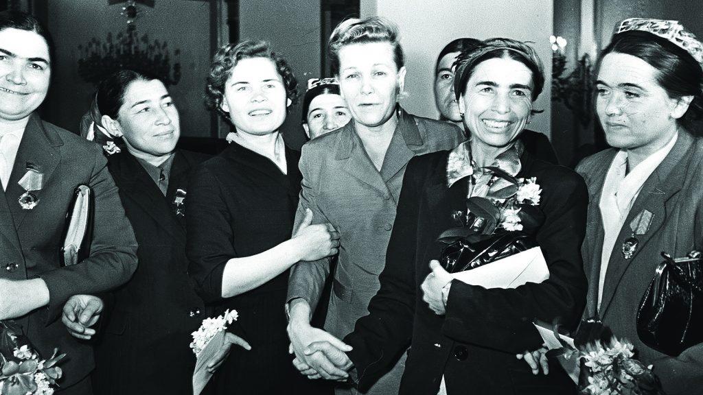 Награждение женщин государственными наградами в Кремле,  по случаю Международно женского дня 8 марта.  8. 03.1960 г.