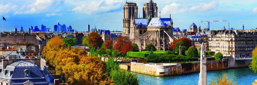 Река Сиенна и собор Нотр-Дам в Париже