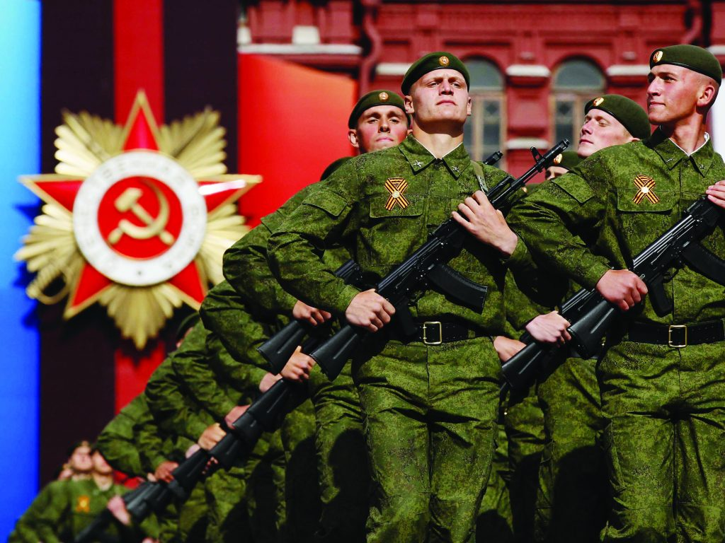 russian-economist-the-kremlins-military-spending-binge-is-completely-unsustainable