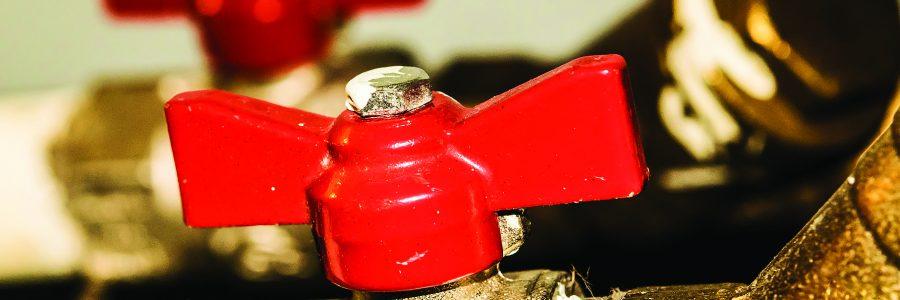 Стальные шаровые запорные краны на водопроводе