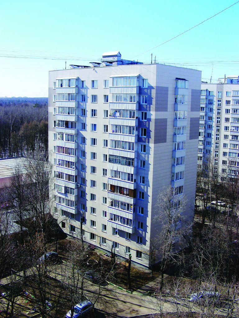 Двенадцатиэтажный одноподъездный блочный жилой дом серии II-18/12 (1968 года постройки). Измайловский проспект, 91, корпус 1. Район Восточное Измайлово. Город Москва