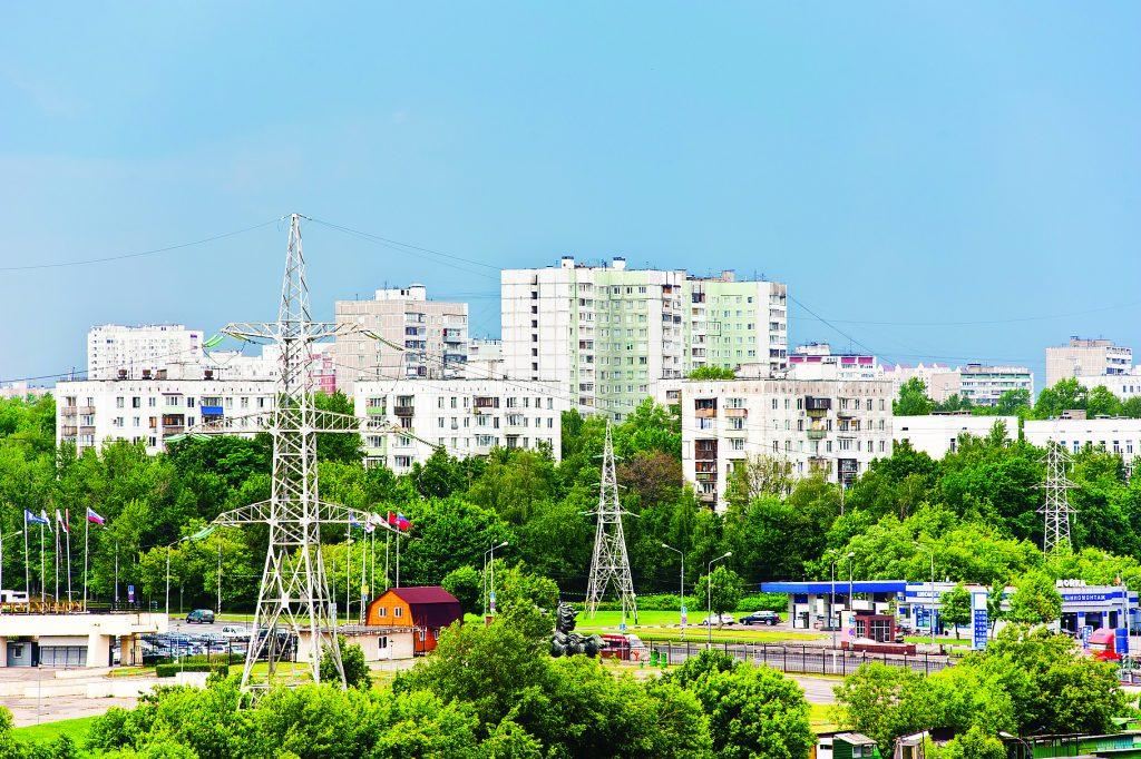 Вид на жилые дома. Балаклавский проспект. Перед дождем. Москва. Россия